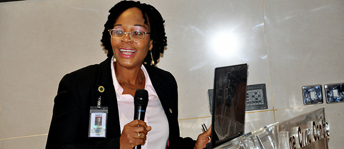 Dr. Gertrude Bassey of NNPC Medicals during her presentation at the 2016 Round-table Meeting
